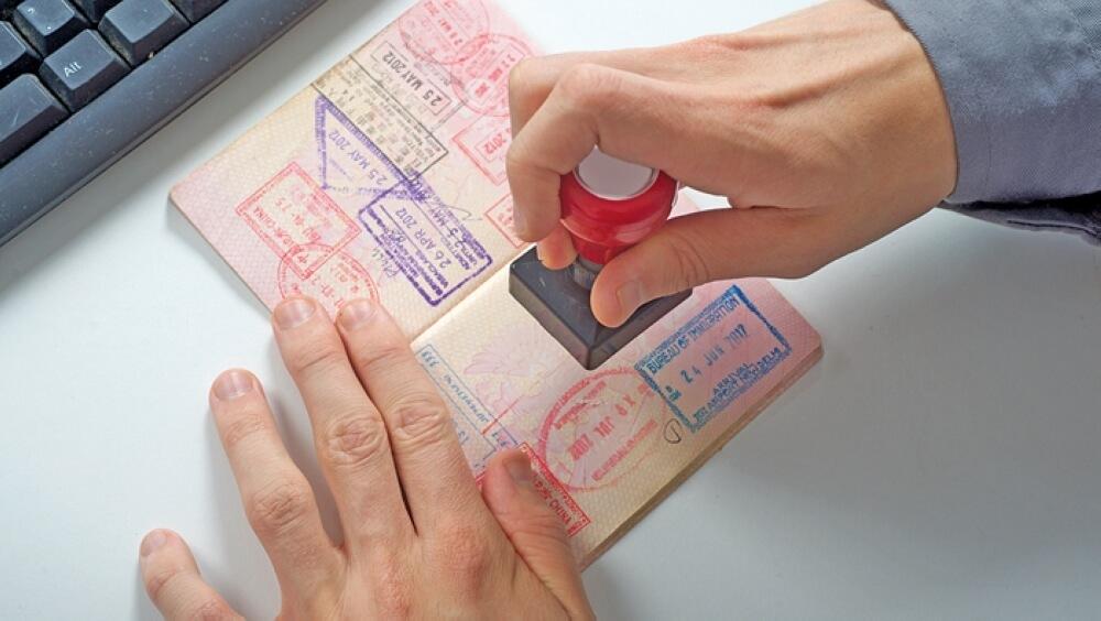 Xin visa khẩn giúp tiết kiệm tối đa thời gian chờ đợi